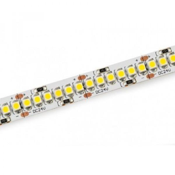 LED szalag , 24 Volt DC , 3528 , 240 led/m , 19,2 W/m , meleg fehér , 2040 lm/m